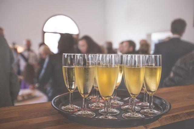Организиране на събития ,семинари, фирмени партита, сватби и рождени дни